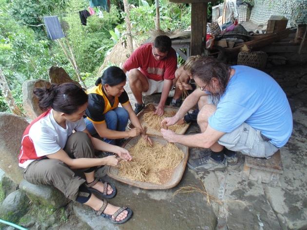 Koľko Poliakov treba na výrobu 1 kg ryže?