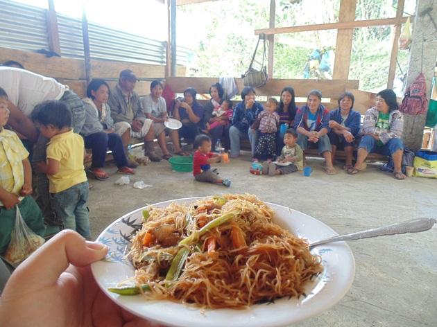 Posedenie pri jedle počas kolaudácie
