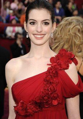 Anne Hathaway oscars 2008 022608-723260